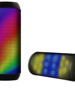 רמקול Bluetooth Ver. 2.1 תצוגת LED מתחלפת, 7 מצבי תצוגה שונים, חיישן דינמי לעוצמת הקול. מיקרופון מובנה ברמקול לנוחות מענה לשיחה. ניתן להציב בצורה אופקית ואנכית. גימור גומי. שמיעה צלולה ואיכותית, רמקול 2 * 3 וואט, סוללה נטענת 1200mAh.